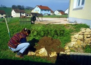 Steingarten bauen, Bruchsteine setzen