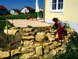 Steine setzen, Kalkbruchsteine aufschichten
