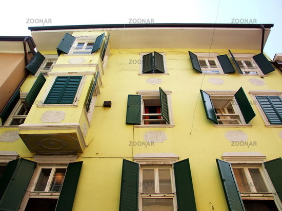Fassade Gelb foto gelbe fassade in bozen yellow facade bild 548853