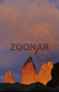 dawn, daemerung. torres del paine np, chile, patagonien, patagonia, suedamerika, south america