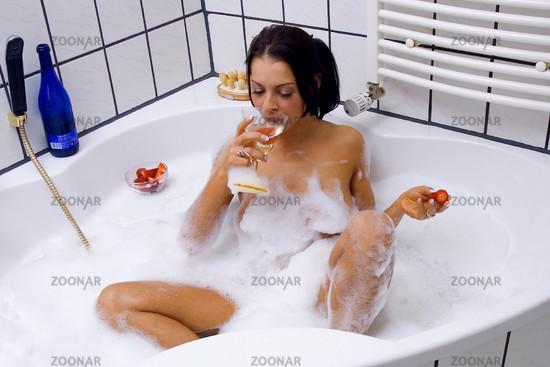 Wellness in der Badewanne   Holiday atthe Bathroom