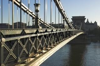 Budapest, Blick von der Kettenbrücke zum Roosevelt tér (Széchenyi lánchíd)
