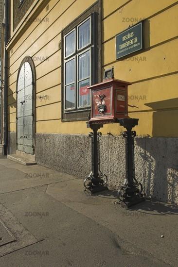 Budapest, Post am Dísz tér
