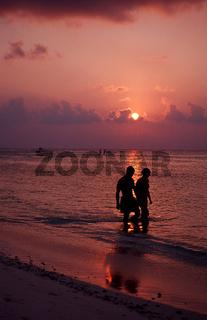 Touristen am Sandstrand