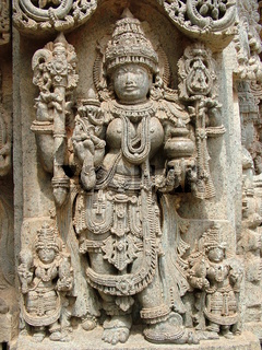Frauenstatue in Indien