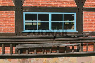 Leiter und Fenster
