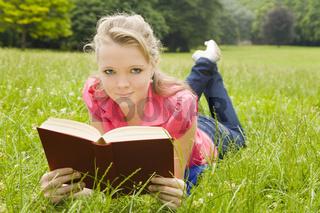 Lesen in der Natur