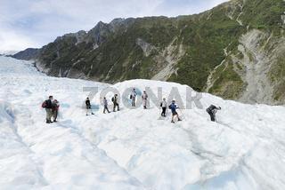 Touristen auf dem Fox Glacier