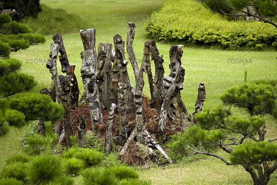 Foto Holzfiguren Im Koreanischen Garten Bild 434620