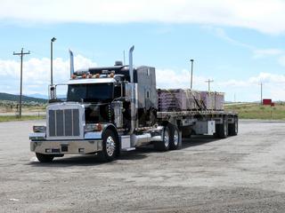 Peterbild Truck