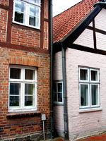 Häuser-Enge, völlig verbaut, aussichtslos