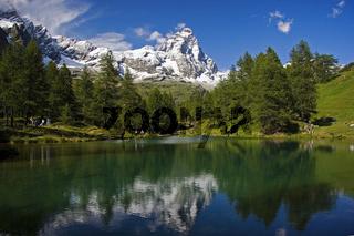 Matterhorn mit Lago Blu/ Lago blu in front of Matt