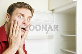 Schock vor Kühlschrank