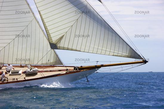 Bug einer klassischen Yacht