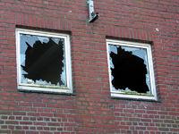Vandalismus, zerbrochene Fensterscheiben