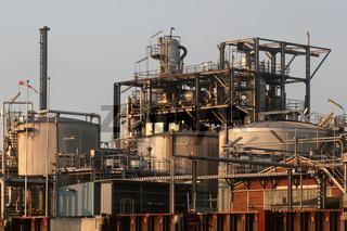 Raffinerie im Hamburger Hafen