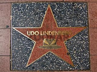 Udo Lindenberg, Gehwegplatte Hamburg/Reeperbahn