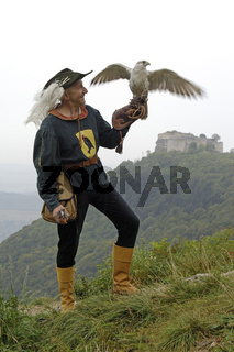 Falkner mit Gerfalke, Falconer with Gyr Falcon
