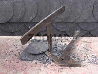 Brücke und Schieferhammer Dachdeckerhandwerk