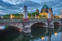 Der Berliner Dom und die Schlossbrücke