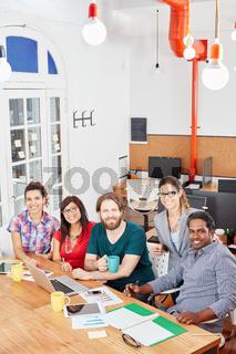 Erfolgreiches Business Startup Team