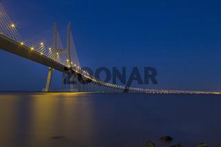 Vasco da Gama Brücke über den Fluß Tejo, Lissabon, Portugal, Europa