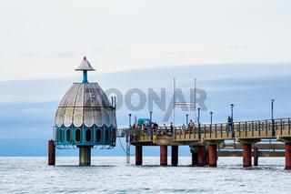 Die Seebrücke am Strand von Zingst
