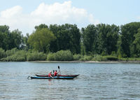 Freizeit-Kajak auf dem Rhein