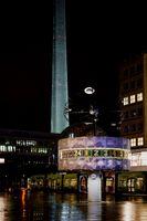 Weltzeituhr Berlin nachts