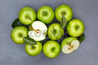 Äpfel Apfel grün Obst Schiefertafel Frucht Früchte von oben