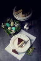 Spring cheese cake with pistachios