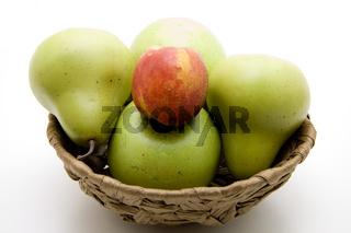 Nektarine auf Apfel