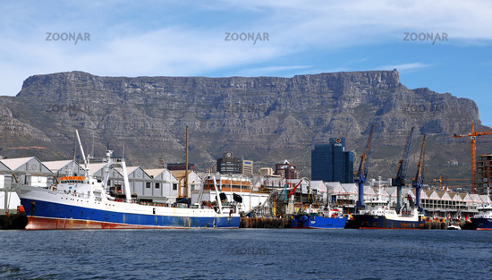 Tafelberg vom Wasser aus gesehen, Kapstadt, Table Mountain, view from the ocean, Cape Town, South Africa