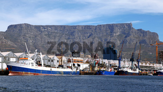Tafelberg vom Wasser aus gesehen, Kapstadt, Table Mountain, view from the ocean, Cape Town, South Africa