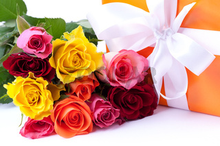 Rosen und Geschenk