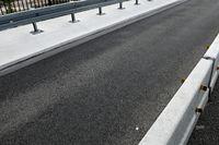 fertig sanierte Brückenhälfte