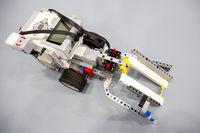 Building blocks remote control robot