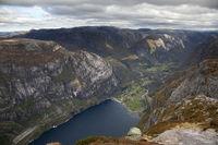 1000 m ueber den Fjord