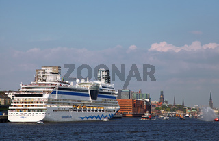 Aida Sol, Impressionen der Auslaufparade vom 828. Hamburger Hafengeburtstag 2017; Impressions of the 828th Birthday of the Port of Hamburg 2017, Germany