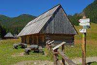Hirtenholzhütte auf der Chocholowska Lichtung, West Tatra, Polen