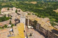 Blick auf San Gimignano vom höchsten Turm Torre Grosso, Italien