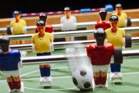 Spielen mit dem Tischfußball