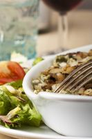 Bayerische Käsespätzle mit Salat