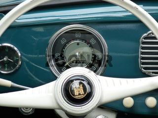 Tachometer in einem alten VW Käfer