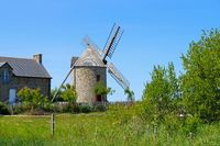 Cherrueix Le moulin de la Saline in der Bretagne  - Cherrueix Le moulin de la Saline windmill in Brittany, France