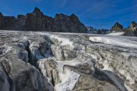 Gletscherspalten auf dem Plateau du Trient, Wallis, Schweiz