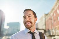 Junger Mann als erfolgreicher Geschäftsmann
