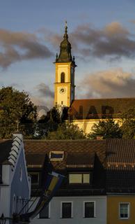 Abendsonne über Pleystein und Kreuzbergkirche