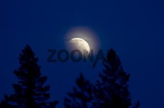 partielle mondfinsternis, lappland, schweden, lunar eclipse in swedish lapland