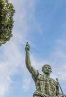 kaiser augustus, bronzeskulptur am trajansforum